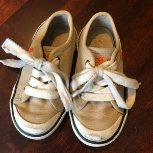 Tan polo sneakers